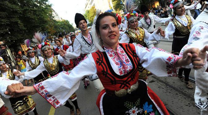 13 апреля- Городской смотр танцевальных ансамблей в ДКС