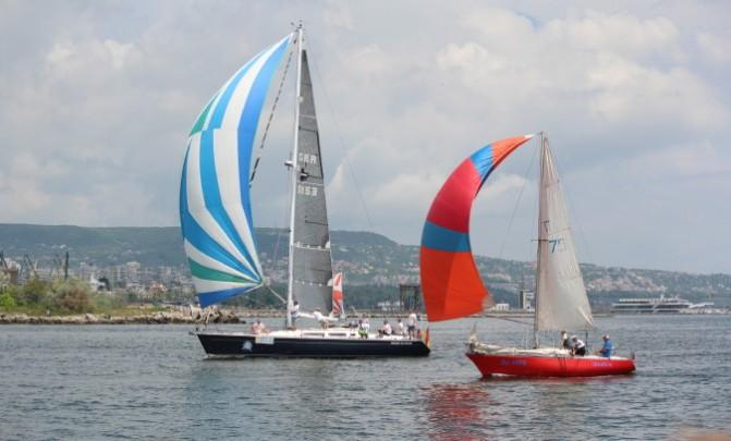 """24 мая  — регата """"Varna Chanel Cup"""" на канале залив-озеро. Фото."""