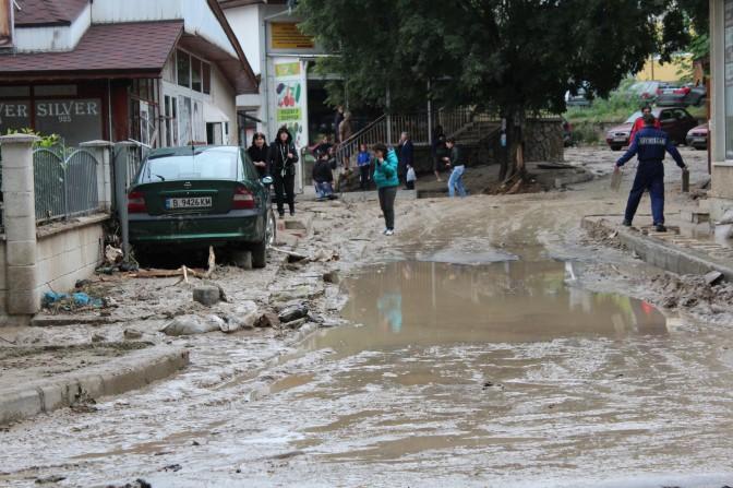 Бедственное положение в Аспарухово отменено. Восстановление продолжается.