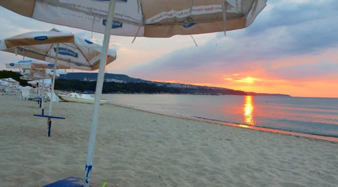 Снова запрещено купание на Офицерском пляже Варны