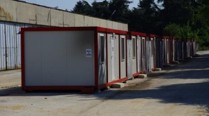 Десткий уголок и компьютеры появились во временном поселке в Аспарухово