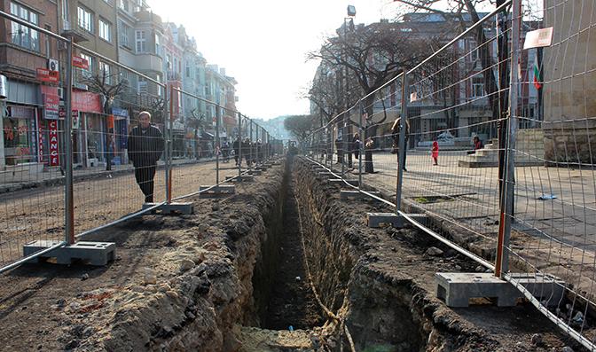 Бульвар Князь Борис I: раскопки вместо ремонта