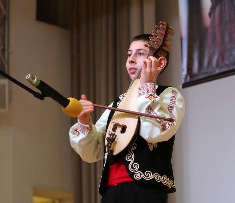 11-летний исполнитель на гудулке из Пловдива - теперь у него будет профессиональная запись на радио